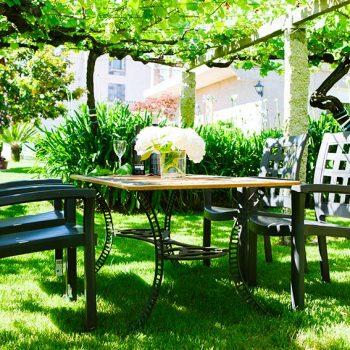 exterior-mesa-casa-lastres